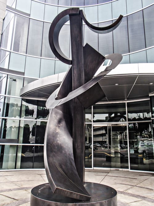 Public Sculptures by Guy Dill seen at 8767 Wilshire Blvd, Beverly Hills - Pablo at the Beach