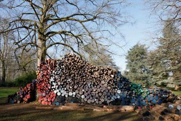 Sculptures by El Anatsui seen at Domaine de Chaumont-sur-Loire Centre of Arts and Nature, Farmyard Le Fenil Gallery, France, Chaumont-sur-Loire - Ugwu, 2016