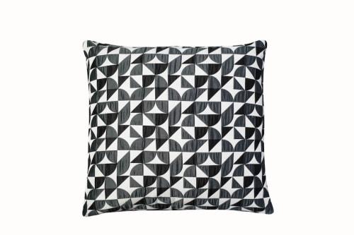 Pillows by Casa Botelho seen at Private Residence, London - Brasília Cushions