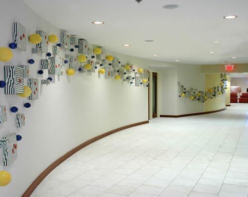 Sculptures by Libby Ware Studios seen at Miami Airport Marriott, Miami - Campos Elesios