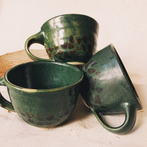 Cups by Veena Chandran Ceramics / Studio Farishtey seen at Tien, Pune - Coffee mugs