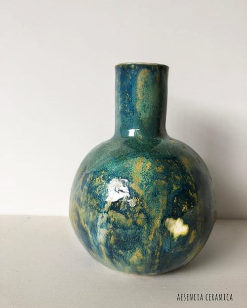 Vases & Vessels by Aesencia Ceramica seen at Private Residence, Sant Feliu de Llobregat, Sant Feliu de Llobregat - Wailani Vase