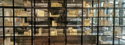 Interior Design by Estudio Manus seen at flores da cunha, Centro - Shelf occupation with imaginary architectures