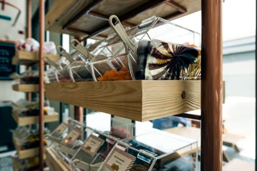 Interior Design by H2R Design seen at Fuzziwigs Candy Factory, Dubai - FUZZYWIGGS – JBR