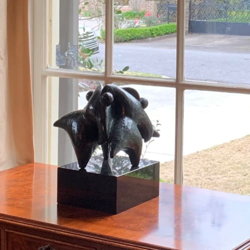 Sculptures by Nnamdi Okonkwo seen at Private Residence, New Orleans - Unity
