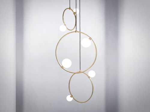 Pendants by Marc Wood Studio seen at Private Residence, London - Drops Cluster