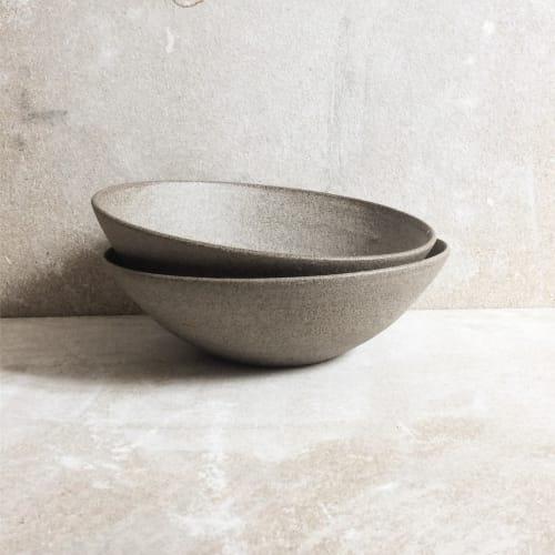 Ceramic Plates by Sinikka Harms ceramics seen at A.T, Paris - stone bowl