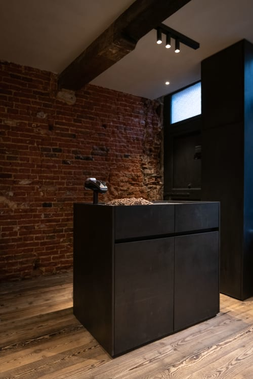 Interior Design by Thooft Pieter at Vincent Saloon, Gent - Vincent Saloon / Yves