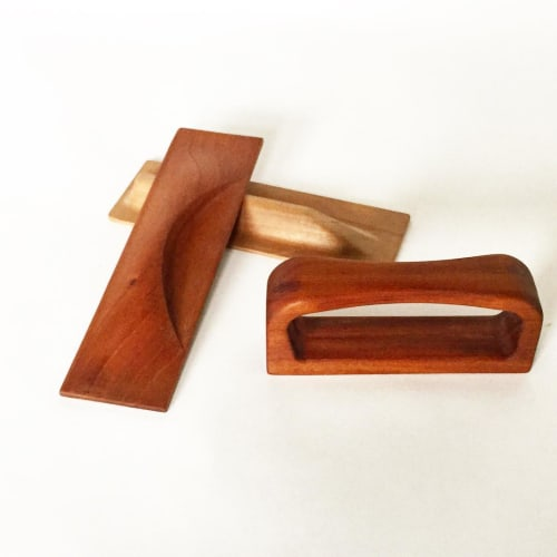 Furniture by Miduny seen at Private Residence, Brooklyn - Wooden Handles