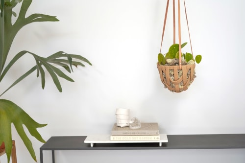 Plants & Flowers by SKINNY Ceramics seen at Bay Area Made x Wescover 2019 Design Showcase, Alameda - Small hanging basket