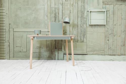 Furniture by DIZY seen at Villeneuve-d'Ascq, Villeneuve-d'Ascq - Complete desk by Adele