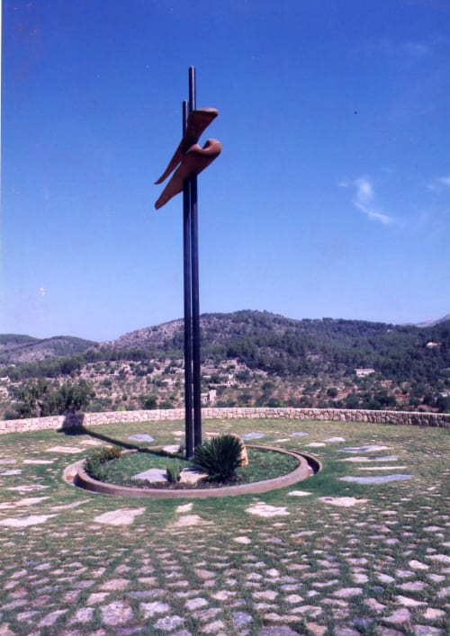 Public Sculptures by Wingren Sculpture seen at Majorca - Skookum Totem