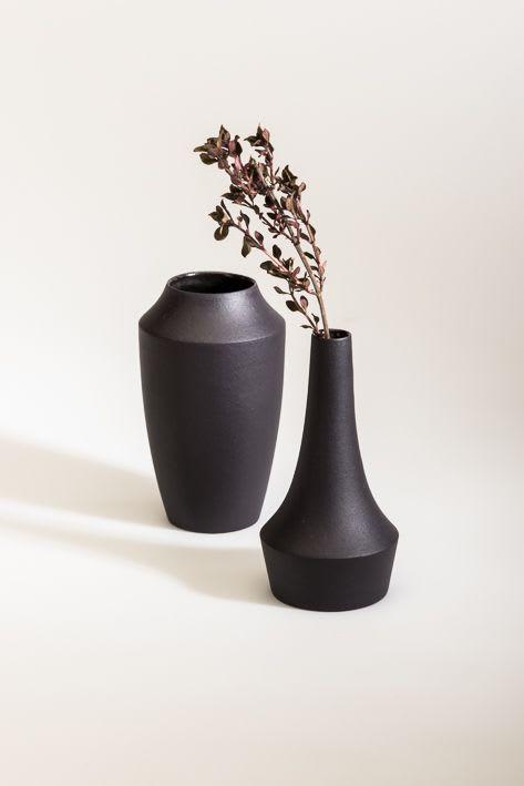 Vases & Vessels by studio.drei seen at Private Residence, Pforzheim - Große, weite Wiesenwelt