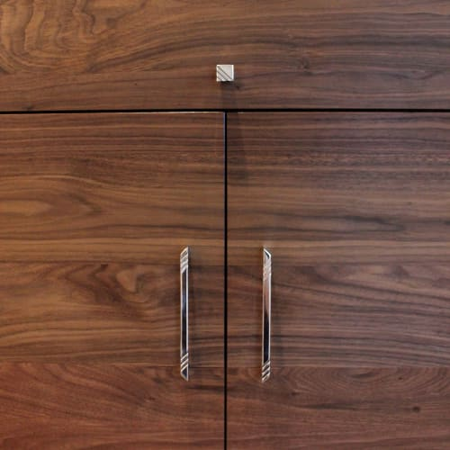 Hardware by AUZ Design Studio seen at Private Residence, Brooklyn - Pyramid Slim Handle