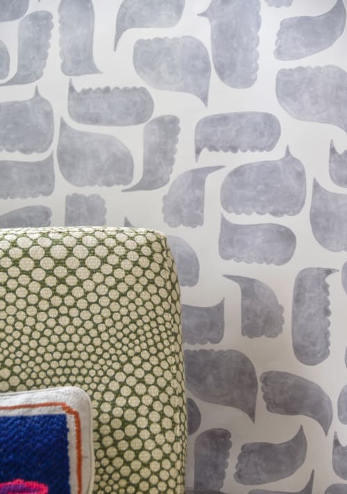 Wallpaper by Metolius seen at Private Residence, San Francisco - Metolius Chatty Pale Grey Wallpaper