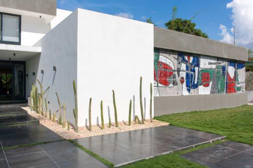 Beatriz Santacana - Murals and Art