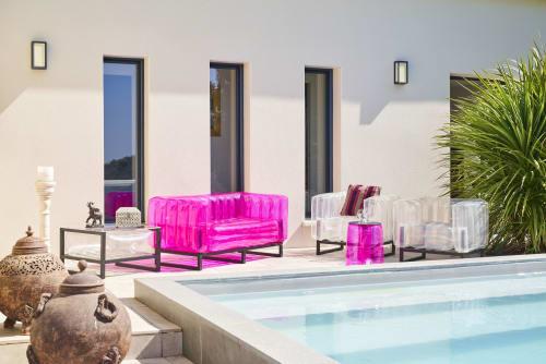 Couches & Sofas by MOJOW seen at Private Residence, Paris - YOMI EKO Sofa