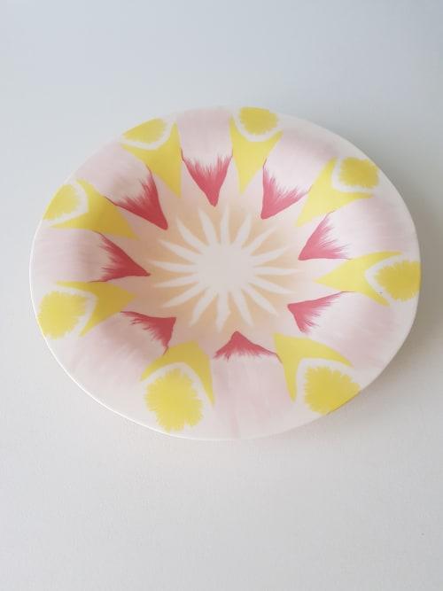 Ceramic Plates by Yuko Kuramatsu Céramiques seen at Poitiers, Poitiers - Fleur d'étoiles