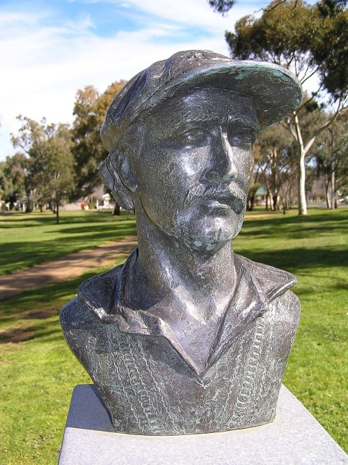 Public Sculptures by Damien Lucas seen at Jubilee Park, Cootamundra - Graham Yallop