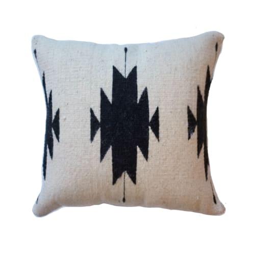 Pillows by Selva Studio seen at Private Residence, Denver - El Diamante