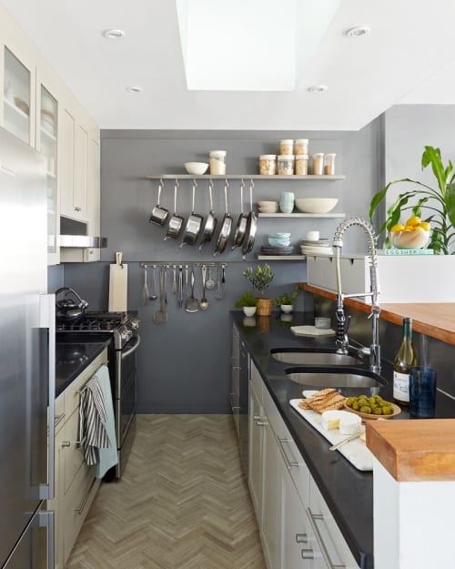 Interior Design by Laurie Blumenfeld Design seen at Private Residence, Brooklyn, Brooklyn - Travel Inspired Abode Project