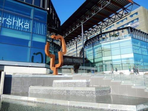 Public Sculptures by Carlos Albert seen at Finestrelles Shopping Centre, Esplugues de Llobregat - Vuelo
