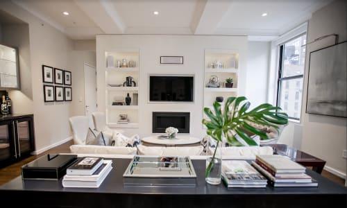 Interior Design by August Black seen at Private Residence - Flatiron, New York - Flatiron Apartment