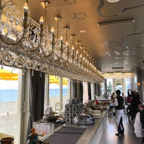 Chandeliers by Simone Cenedese Glass seen at Hello Kitty Smile, Awaji-shi - Rezzonico Chandelier Linear 64L