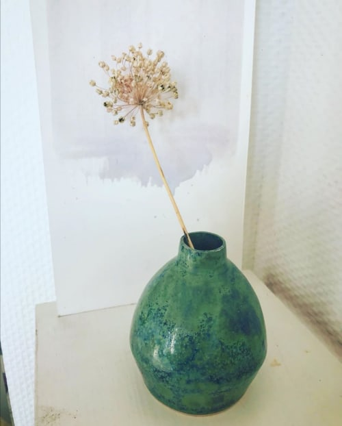 Vases & Vessels by Alice Nouchi Ceramics seen at Private Residence, Toulouse - Small green vase