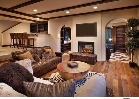 Interior Design by Gallerie Noir Interiors seen at Private Residence, Truckee - Interior Design