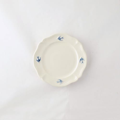 Ceramic Plates by Marumitsu Poterie seen at Private Residence, Tokyo - Early Bird Round Plate S