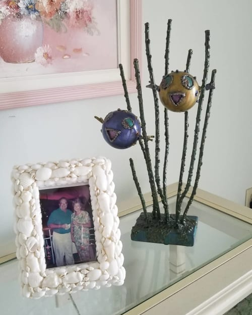 Sculptures by Angela Ridgway seen at Private Residence, Sarasota - 'puffer pals'