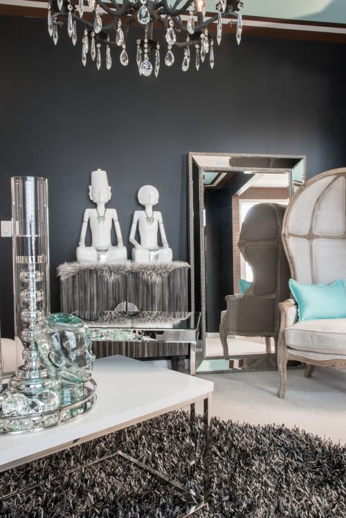 Interior Design by Nisha Tailor Interior Design seen at Private Residence, St. Louis - Black and White Lounge