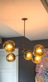 Chandeliers by Lindsey Adelman seen at Private Residence - W 75th St, New York - 5-globe Branching Bubble