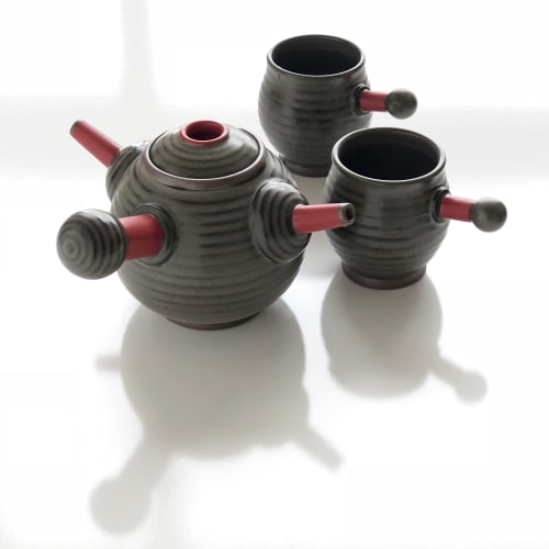Tableware by VEpottery seen at Private Residence, Helena - Ambidextrous Tea Pot with cups