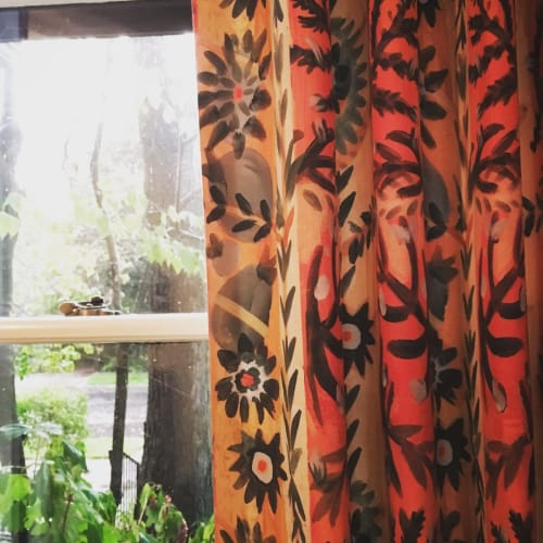 Curtains & Drapes by Laurie Olinder seen at Private Residence, New York - Floraband fabric