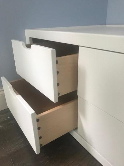 Furniture by MJO Studios seen at Private Residence, Asheville - Custom Oak Built-Ins