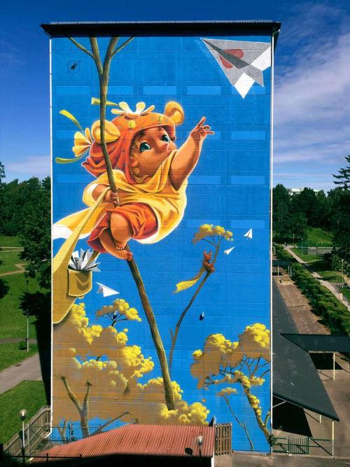 Street Murals by Animalitoland seen at Bredfjällsgatan 46, Hammarkullen - Paperplanes