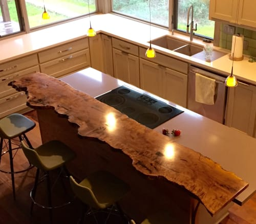 Interior Design by Greenwood Bay Woodworking seen at Private Residence, Chappell Hill - Bur Oak Live Edge bar top