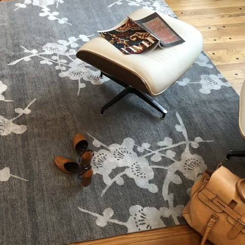 Rugs by Emma Gardner Design, LLC seen at Private Residence, Petaluma, CA, Petaluma - Spray (lead), Twisted Knot Tibetan Wool