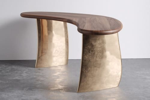 Tables by Aguirre Design seen at Private Residence, New York - Kaimana Desk