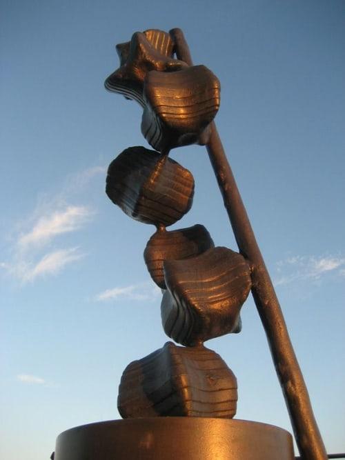 Public Sculptures by Andrew McKeown Sculptor seen at Saltburn-by-the-Sea, Saltburn-by-the-Sea - Organism