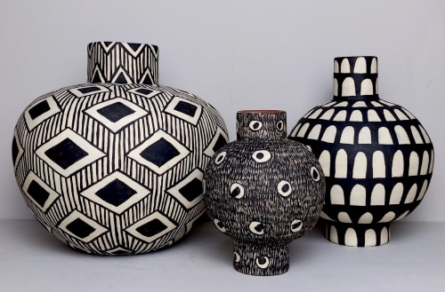 Sculptures by Lydia Hardwick seen at Private Residence, London - Toasted Terracotta Pots with Black & White Slip