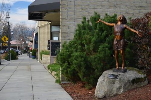 Sculptures by David Varnau seen at 547 Main St, Edmonds - Joie de Vivre