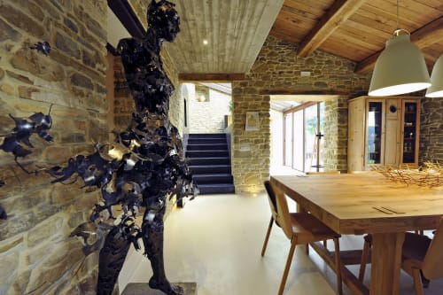 Sculptures by Regardt Van Der Meulen seen at Private Residence, Umbria - Sculpture