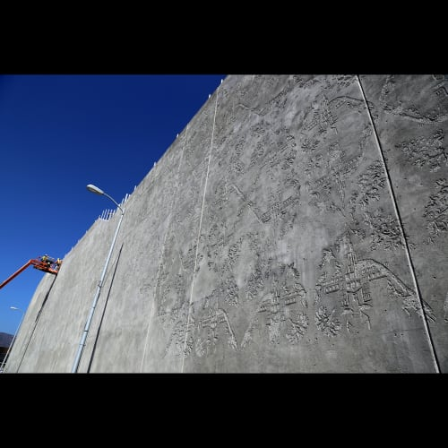 """Public Sculptures by Brian Howe & Freyja Bardell seen at Sepulveda Blvd, along the 405 Freeway, Los Angeles - """"Concrete Wallpaper"""""""