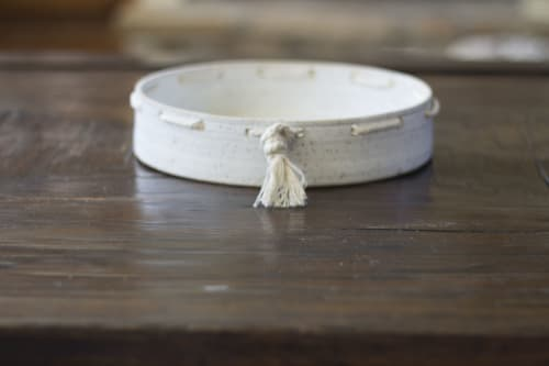 Ceramic Plates by Simple Life Ceramics seen at Private Residence, Al Rideem - Simple Life Ceramics