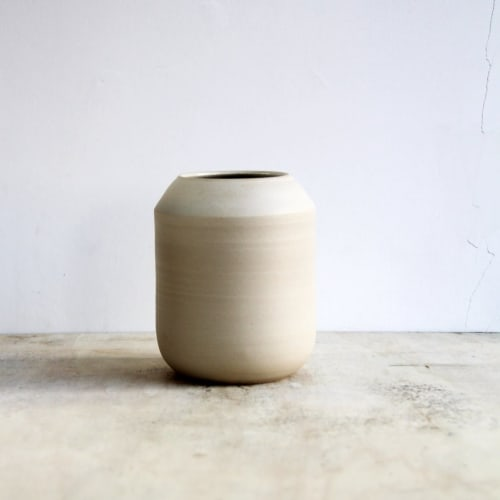 Vases & Vessels by Evi Radoes seen at Private Residence, Sint-Truiden - Half curved vase