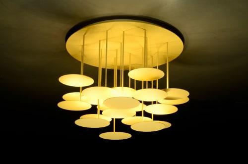 Chandeliers by Millelumen seen at Creator's Studio, Dreieich - millelumen circles gold