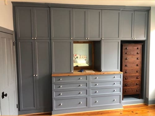 Furniture by A-K Custom Interiors seen at Private Residence, Philadelphia - Built in Cabinetry